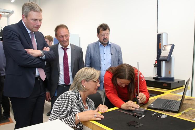 ZF eröffnet neues Ausbildungszentrum in Saarbrücken