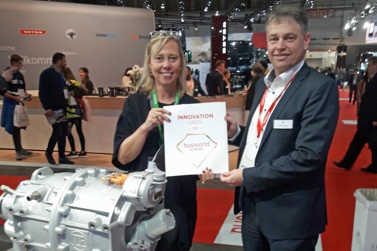 Dr. Andreas Grossl accepts Innovation Award at Busworld
