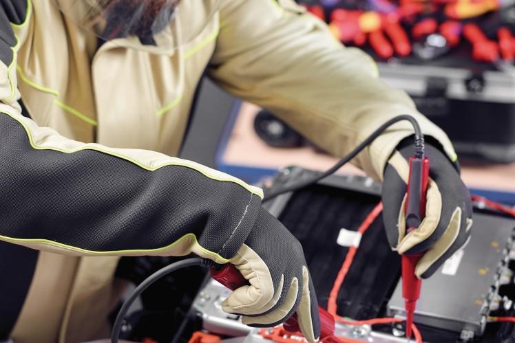 ZF Aftermarket macht Kfz-Betriebe fit für die Hochvolttechnik