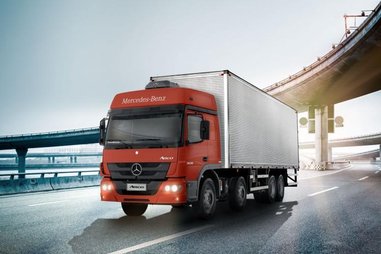 Transmissão ZF Ecomid de 9 marchas chega a dois caminhões da Mercedes-Benz