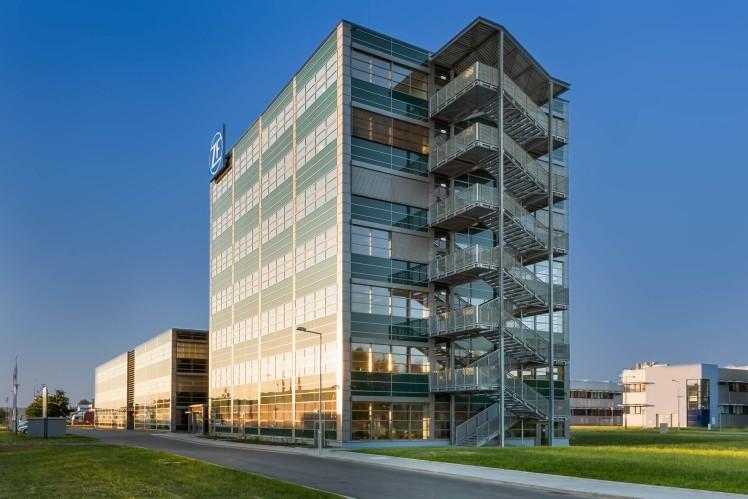 ZF R&D Center in Pilsen extended