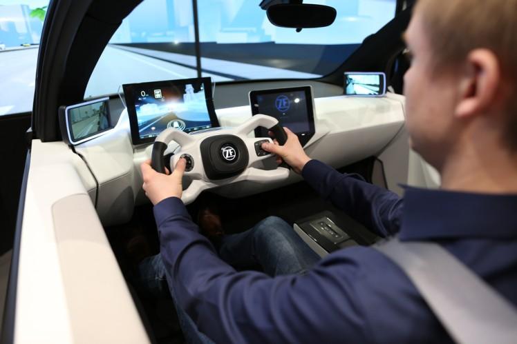 Stärkt das Vertrauen, reduziert die Belastung: Neues Interaktions-Konzept von ZF bereitet auf das autonome Fahren vor